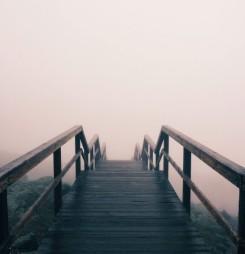 «Un puente hecho de agujeros». Blog Crisis pregunta a M. Bassols